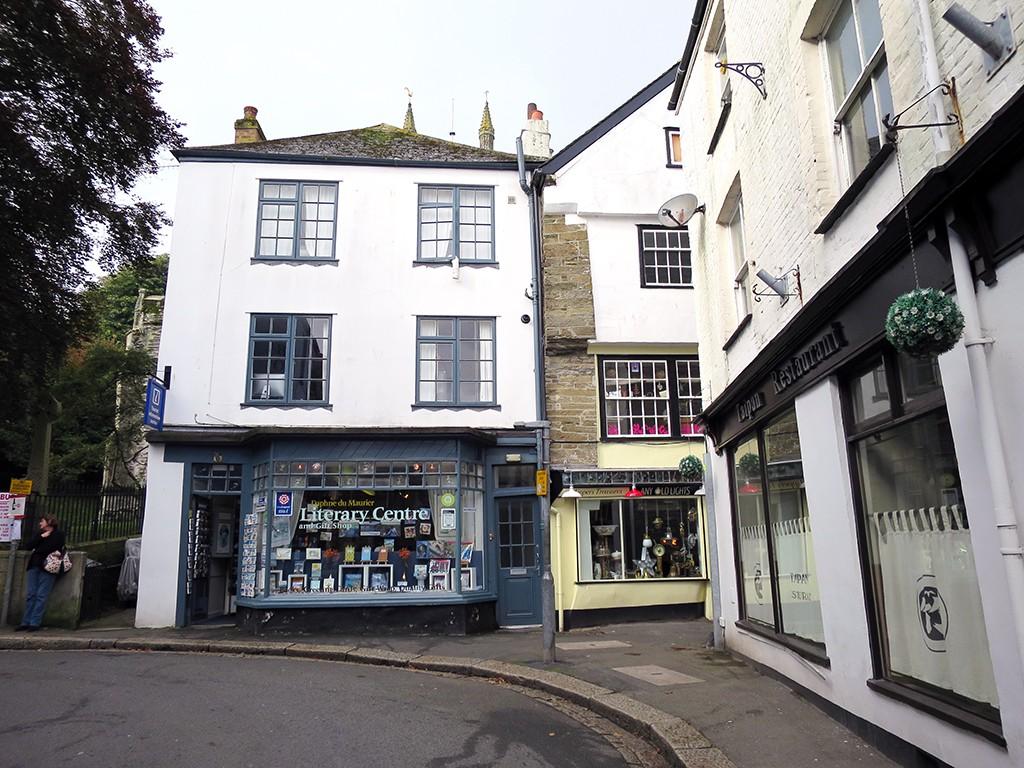 Fowey Shops
